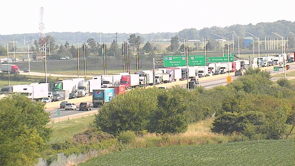 Traffic is shown heading west in I-90/39 due to a garbage truck on fire.
