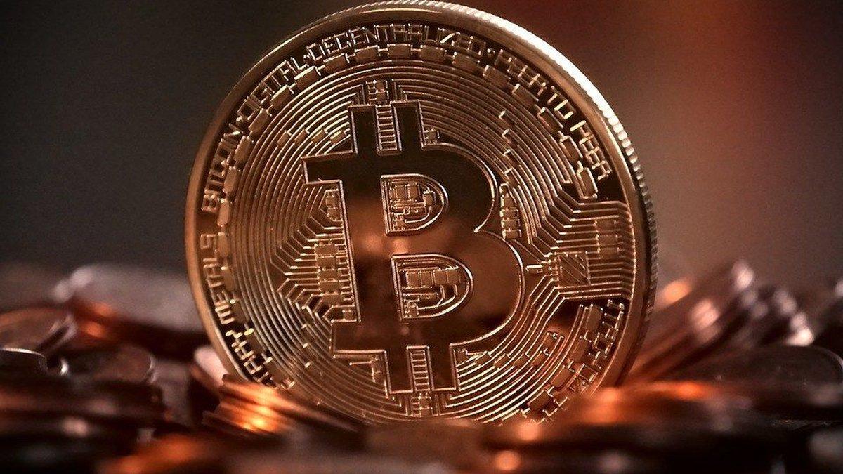 Bitcoins, blockchains, cryptocurrency. (Source: Pixabay)