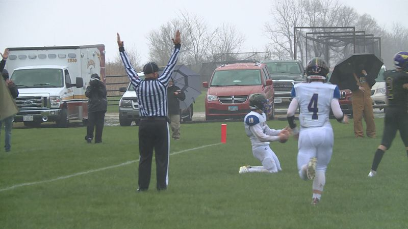 Rivermen quarterback Hunter Hoffman threw for 357 yards and 7 touchdowns in the 47-20 win.