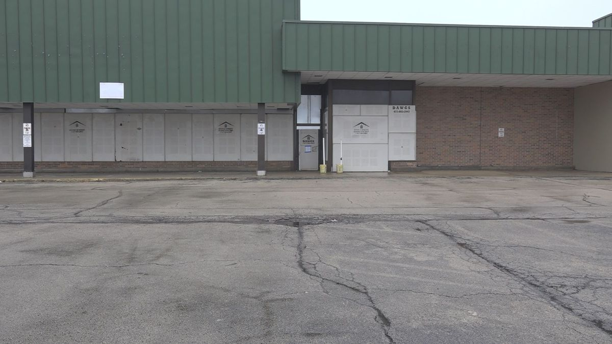The City of Rockford seizes the land that was the Magna grocery store.