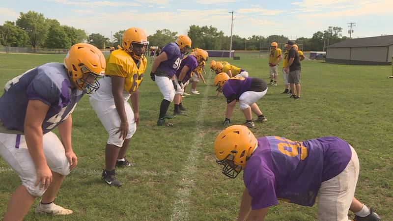 After a 3-2 spring season, Hononegah returns a lot of talent on both sides of the ball.