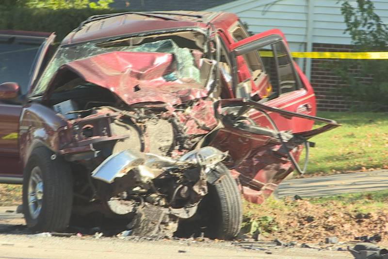A 28-year-old woman is dead and a 41-year-old man is in critical condition after a crash Monday...