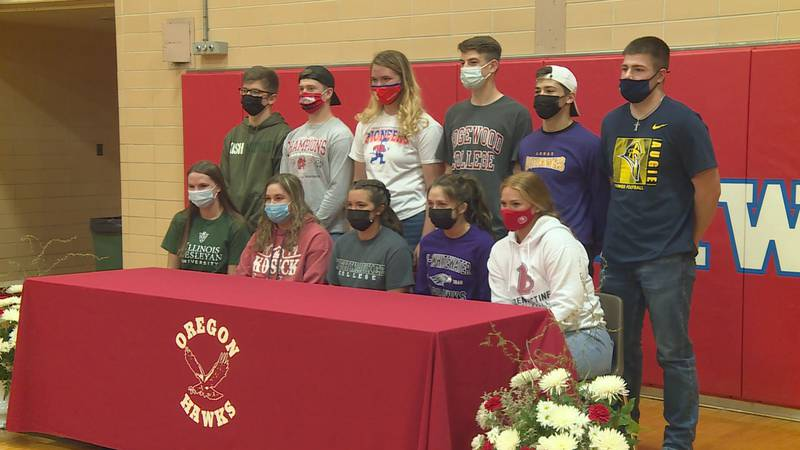 11 athletes from Oregon made their college commitments official.