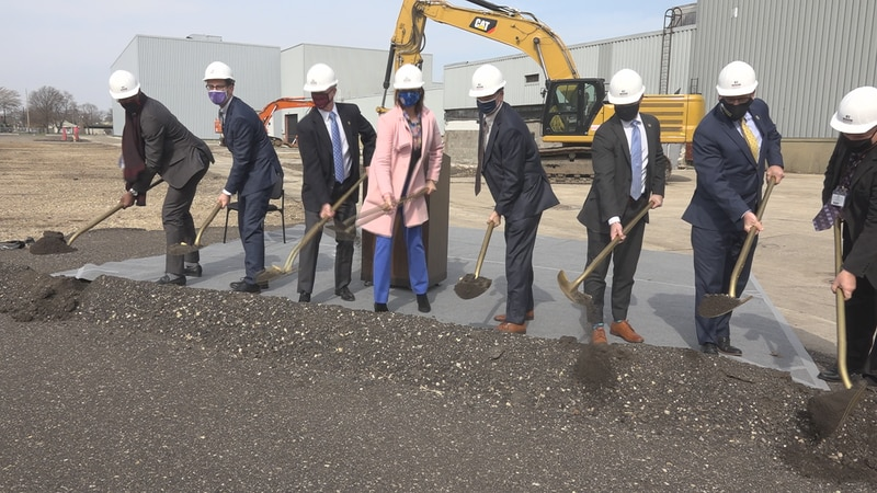 Leaders break ground on a new facility at Ingersoll Machine Tools.