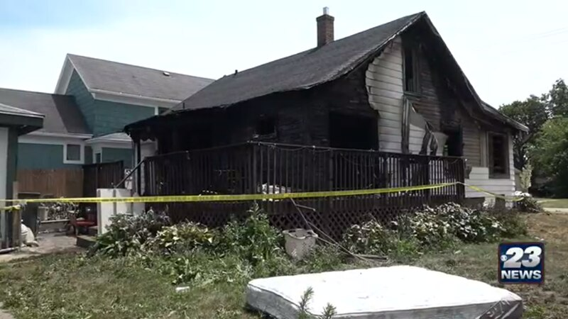 One dead and four injured in Belvidere fire