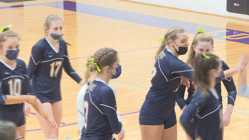 The Bulldogs extend their winning streak to 7 games with a straight set victory over Lutheran.