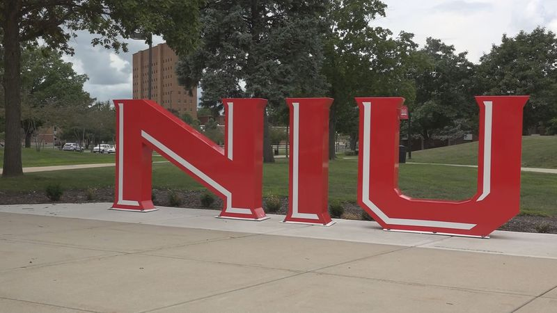 NIU announces spring semester changes.