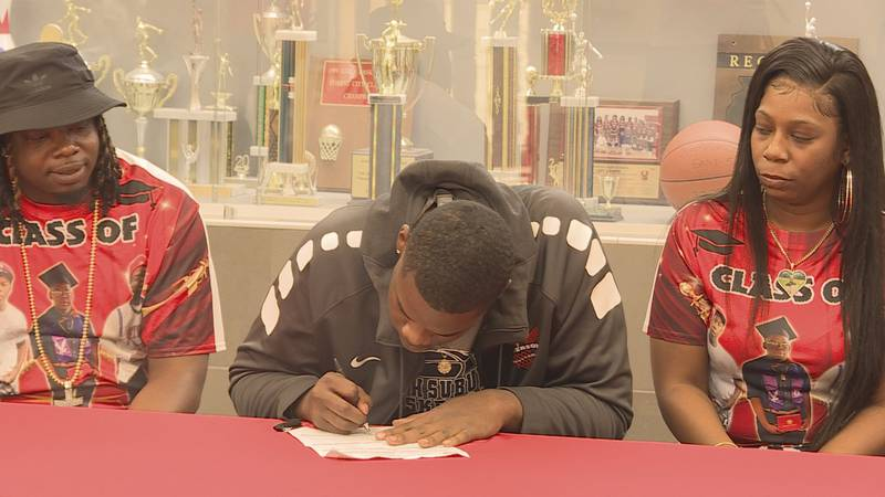 Recent Jefferson grad Antonio Leavy made his college commitment official on Friday. Leavy will...