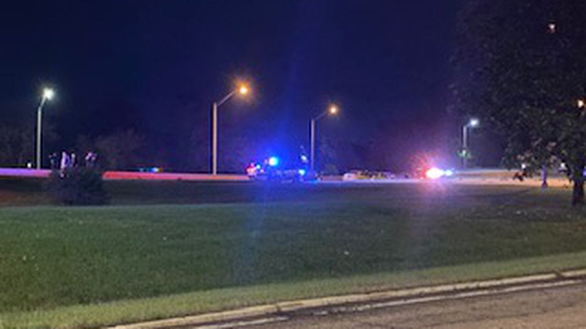 One woman dead after crash off of I-251 Monday morning