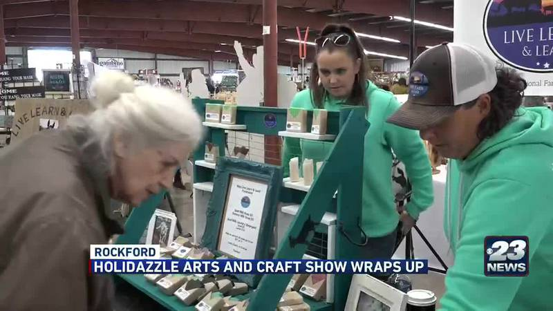 Holidazzle Arts and Crafts Show wraps up
